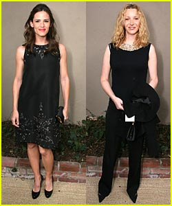 Garner, Kudrow: Basic in Black