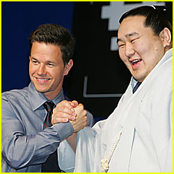 Mark Wahlberg Gets Strong-Armed