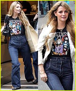 Mischa in Mom Jeans!
