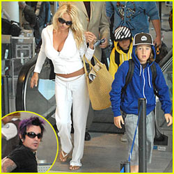 Pamela Anderson & Tommy Lee Reunite for Family Vacation