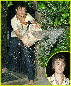 Pete Doherty Makes a Splash With Photogs