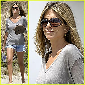 Jennifer Aniston's Memorial Day in Malibu