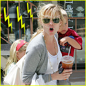 Reese Witherspoon: Pissed at Paparazzi
