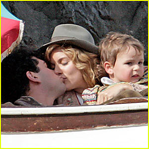 Sienna Miller's Kiss with Baby on Board