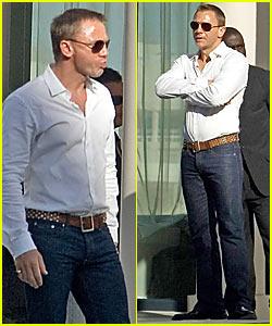 Daniel Craig is Super Sweaty