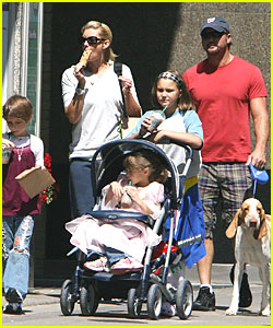Faith Hill: To Stroller or Not to Stroller?
