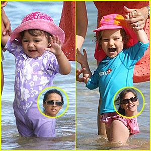 Isabella Damon & Violet Affleck are BFFs