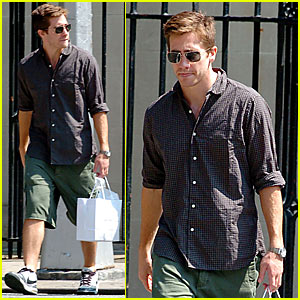 Jake Gyllenhaal: Mommy & Me Shopping Spree