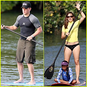 Garner, Damon Take on Paddle Boarding