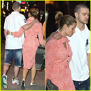 Timberlake & Biel Hold Hands... in Public!