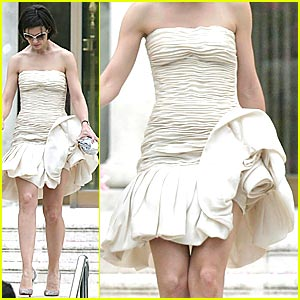 Katie Holmes Has Napkins in Her Dress