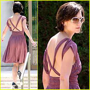 Katie Holmes Wedding Gown on Katie Holmes Purple Wedding Dress Jpg
