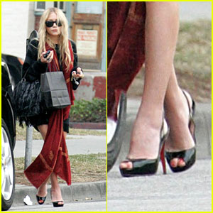 Mary-Kate Rides High in Heels