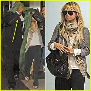 Nicole Richie Keeps Covered Up