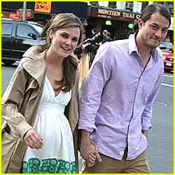 Keri Russell Welcomes Son River Deary