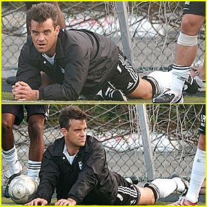 Robbie Williams' Soccer Stretch