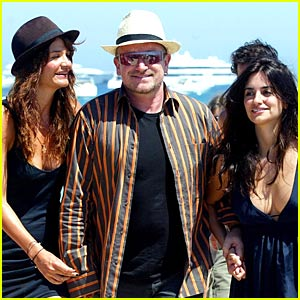Bono and Two Babes Hit the Beach