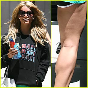 Jessica Simpson Has Killer Calves