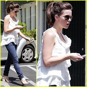 Kate Beckinsale Gears Up For Comic-Con