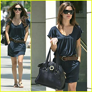 Rachel Bilson Shops For Lingerie