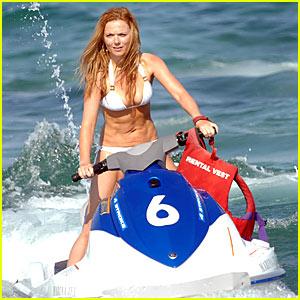 Geri Halliwell is Bikini-licious