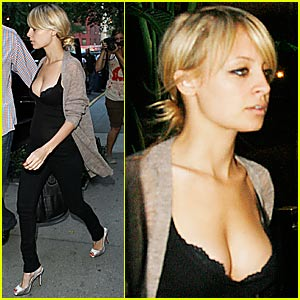 Nicole Richie: Maternity Wear Worn Well