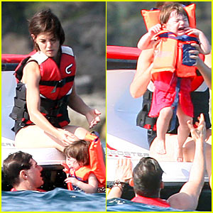 Suri Cruise is a Crying Cutie
