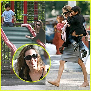 Momgelina's Playground Family Fun