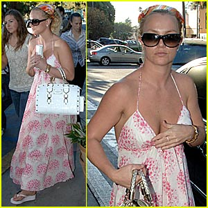 Britney Spears Snaps Out Of It