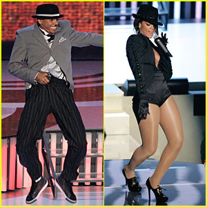 Chris Brown & Rihanna's VMAs 2007 Performance