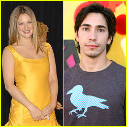 Drew Barrymore & Justin Long Kissing Video