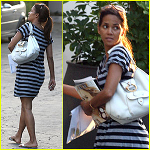 Halle Berry: Baby Bump Watch