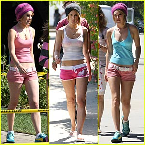 Rumer Willis: Hot in Hot Pants?