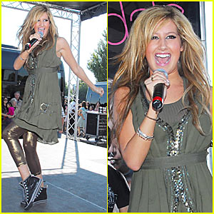 Ashley Tisdale Mall Tour Pictures