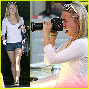 Hayden Panettiere is Camera Ready