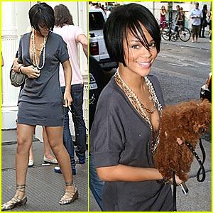 Rihanna Shops SoHo