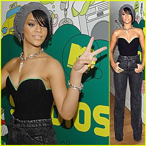 Rihanna @ TRL