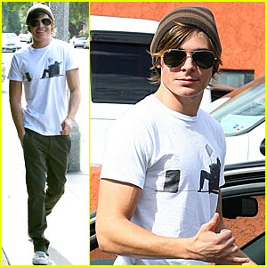 Zac Efron is an Aviators Man