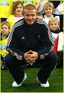 David Beckham Blogs From Airport