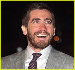 Jake Gyllenhaal is a Football Player