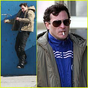 Joaquin Phoenix has TWO Lovers