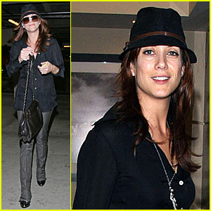 Kate Walsh Gets Down to Business