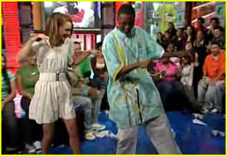 Natalie Portman Learns Soulja Boy Dance