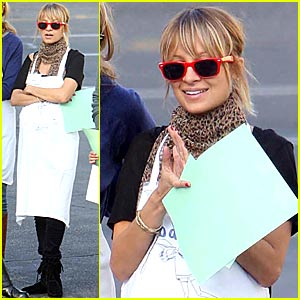 Nicole Richie's Thanksgiving @ Homeless Shelter