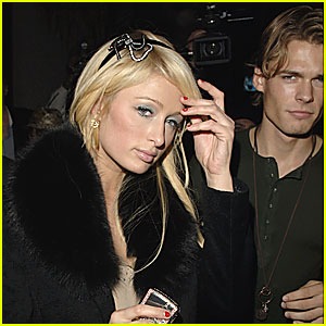 Paris Hilton & Alex Vaggo Love the Nightlife