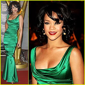 Rihanna @ World Music Awards 2007