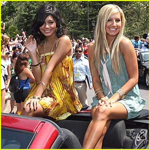 Vanessa Hudgens Back For 'High School Musical 3'