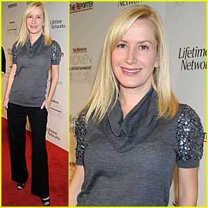 Angela Kinsey Baby Bump Watch Angela Kinsey Pregnant Celebrities