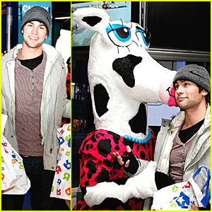Chace Crawford Dating a Cow