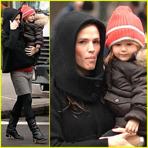 Jennifer Garner's Monday Morning Walk